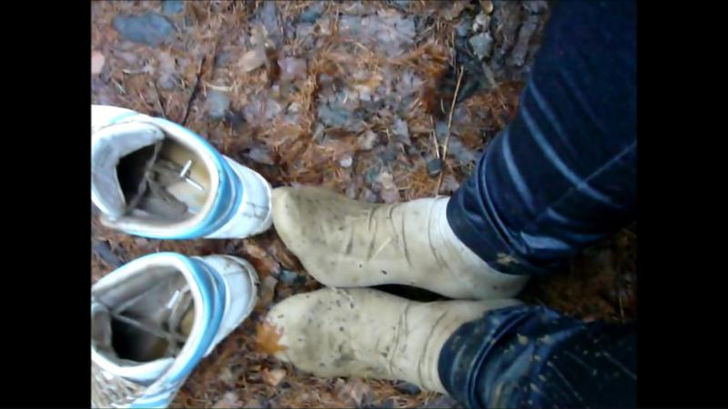 Jana make a wet and mud session with her adidas top ten hi white light blue sneakers