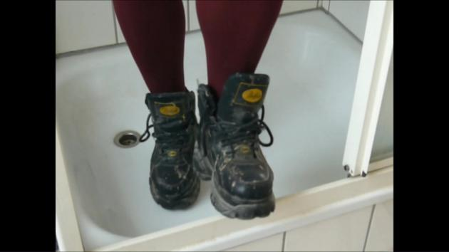 Jana cleans and destroys her black patent Buffalo boots in the shower