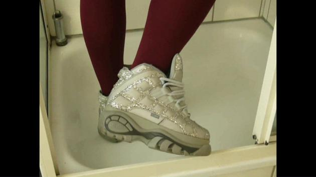 Jana crushes popcorn with her Buffalo boots silver glitter in the shower and fills, messy and washes them afterwards