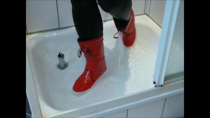 Jana fills messes up and squeaks in the shower with her shiny red Adidas Honey boots