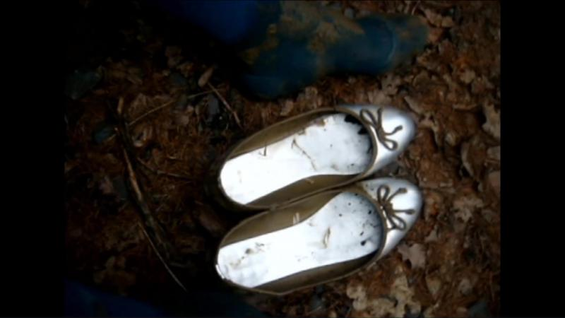 Jana walks with her silver ballerinas in the forest, mud and puddles