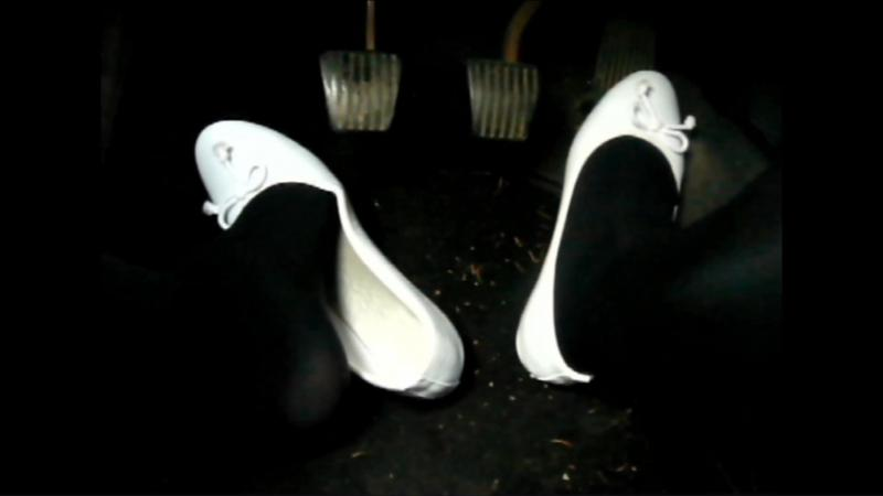 Jana plays and drives the car with her white patent ballerinas